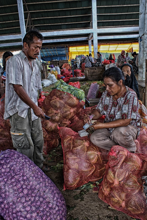 people at the traditional market by Hartono Wijaya  - City,  Street & Park  Markets & Shops ( agronomic, market, indonesia, food, vegetables, economy, pay, traditional, people, travel photography, enrekang )