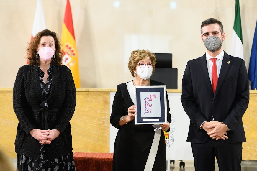 Premio a Rosario Valverde Domenech (Solidaridad).
