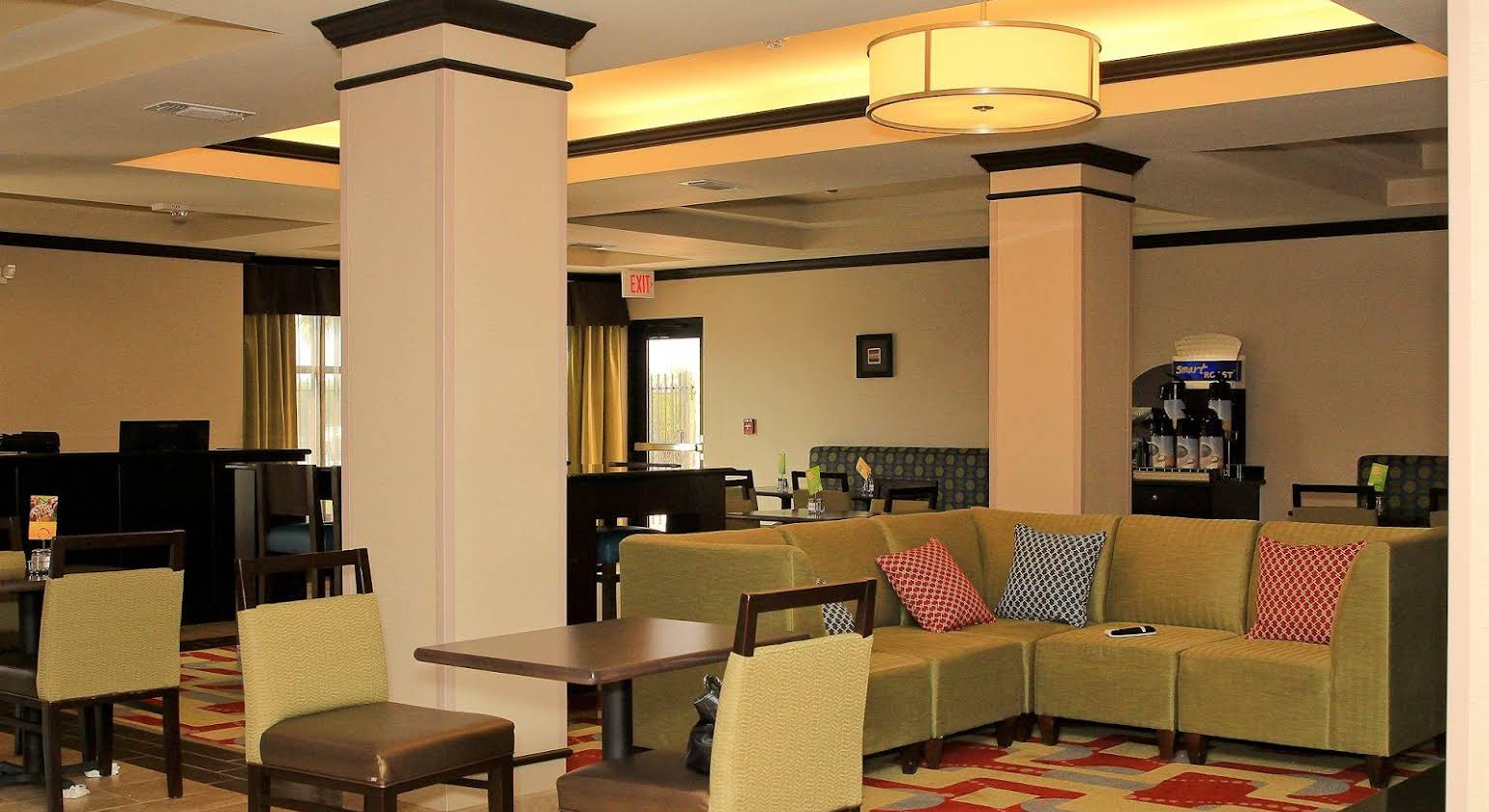 Holiday Inn Express Hotel & Suites Floresville