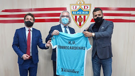Antonio Huete, Manuel Vida y Mostafa Yilmaz en el Estadio Mediterráneo.
