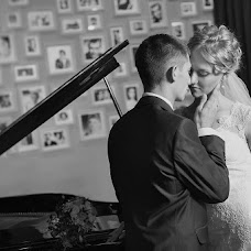 Wedding photographer Roman Sukharevskiy (suharevskiy). Photo of 04.12.2013