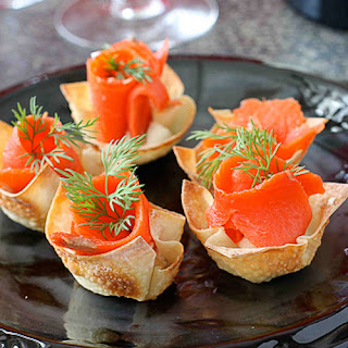 Smoked Salmon & Horseradish Mascarpone in Wonton Cups.