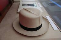 堀越が愛用したパナマ帽=2014年3月【時事通信社】