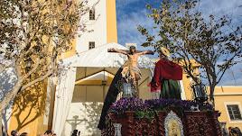 El Calvario, a su salida desde San Roque, por Juan Sánchez.
