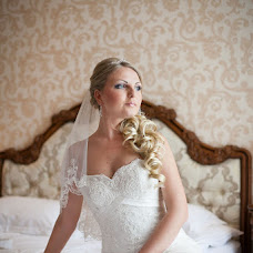 Wedding photographer Tatyana Khizhnyak (3640893). Photo of 14.09.2013