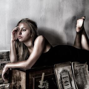 sexy piano by Miguel Pires - People Fashion ( sexy, algarve, tavira, portugal, poeta,  )