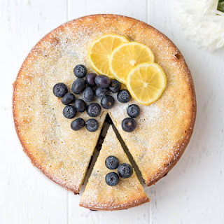Keto Lemon Cake With Blueberries {Low-Carb, Gluten-Free}.
