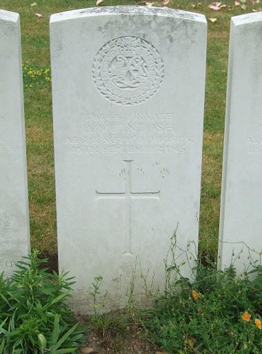 Donald McIntosh grave