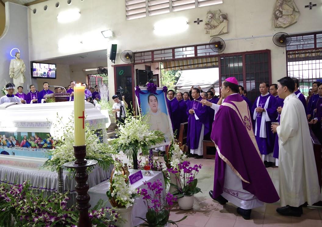 Thánh lễ an táng Cha Giuse Trần Ngọc Tâm - Chánh xứ Xuân Đức - Ảnh minh hoạ 30