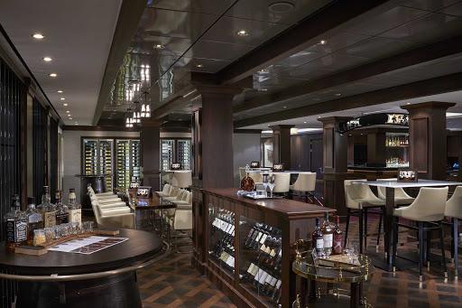 norwegian-joy-la-cave-Wine-Bar.jpg - La Cave is Norwegian Joy's source for fine wines and spirits.