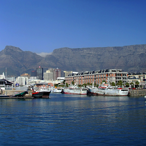 Table Mountain, Capetown by Stephen McKibbin - Landscapes Travel