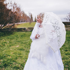 Wedding photographer Vika Nemova (vikanemova). Photo of 05.01.2016
