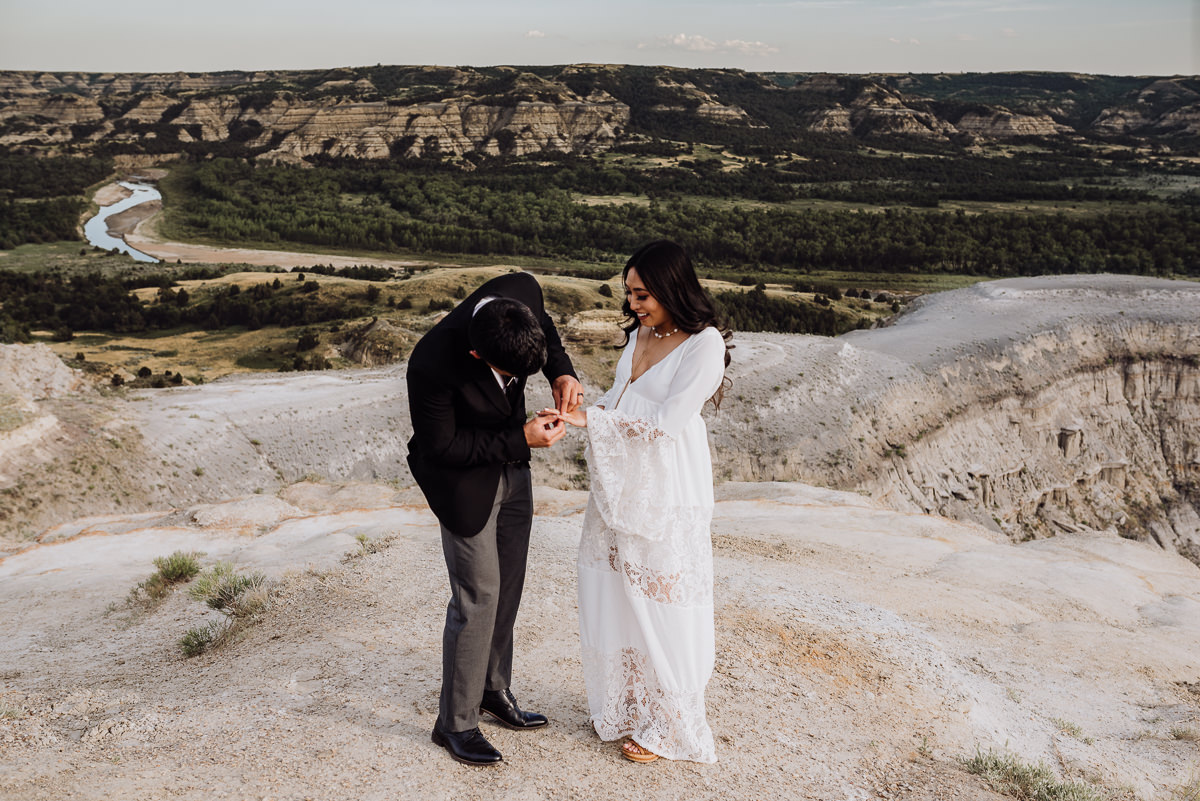 The Pedranos Intimate Elopement In The Badlands At Theodore