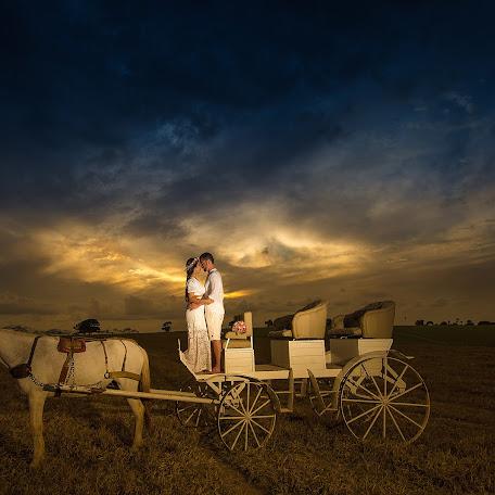 Wedding photographer Raphael Silva (RaphaelSilva). Photo of 18.01.2018