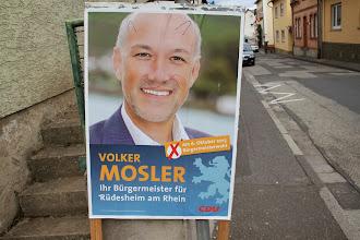 Photo: Et par dage efter var der valg og borgmesteren ville selvfølgelig gerne vælges