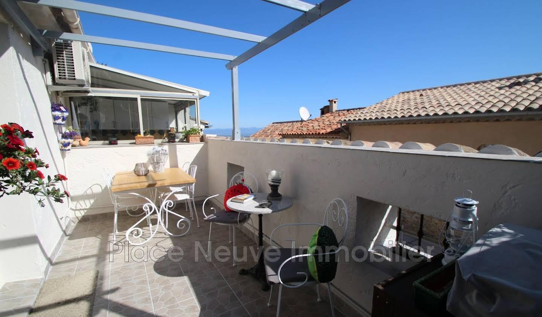 Appartement avec terrasse La Garde-Freinet