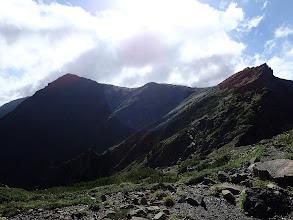 前岳(右)と中岳(左)