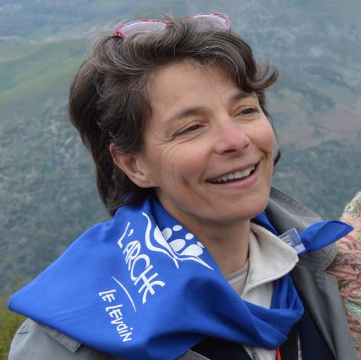 Catherine Cebron court pour L'Arche à la course des deux châteaux du 24 septembre !