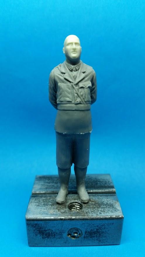 Le râleur, british officer WW1 6QoyPatyDosUrLzIazUgORxQABr7NcU11k-qu9ZtHdmicO7kozP6qne1xhc1zyuxJM9tya5SgUAJ=w496-h881-no