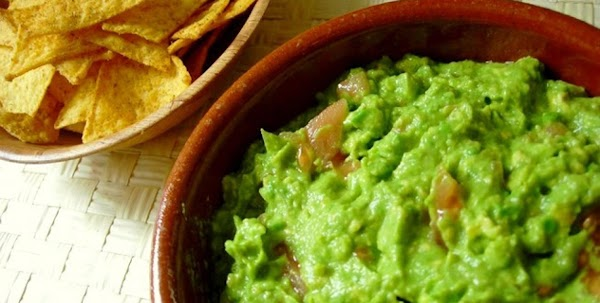 Simple Authentic Guacamole Recipe