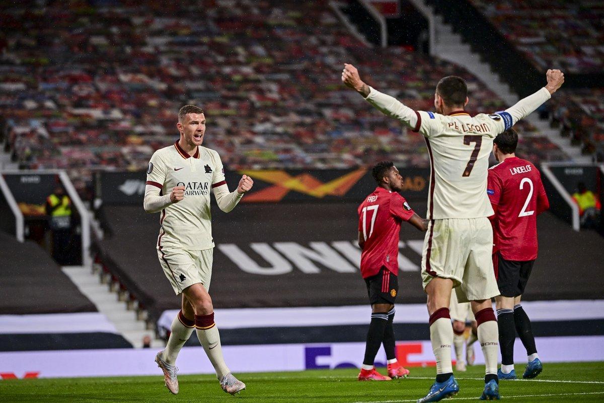 2 bàn trên sân Old Trafford là không đủ để Roma có được chiến thắng