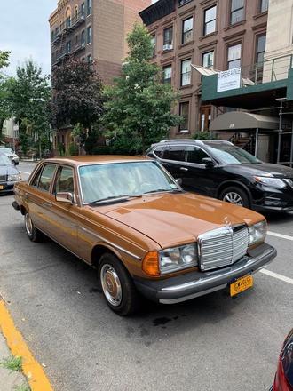 Rare 1981 Mercedes-Benz 240D Hire NY