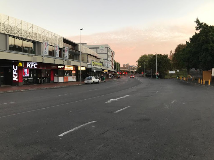 The usually busy high street in Rondebosch, Cape Town, was a ghost town on Friday as evening tell on day one of SA's national lockdown.