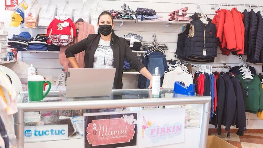 Mariel es una empresa de nueva creación dedicada a la moda femenina y de todas las tallas, zapatos, bolsos, tocados y complementos en Benahadux.