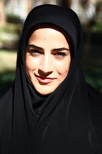 Photo: Chaddar (palapinė iran.) - pagrindinis Irano moters rūbas.  Chaddar (tent - Iran) - frewuent dress code in Iran.