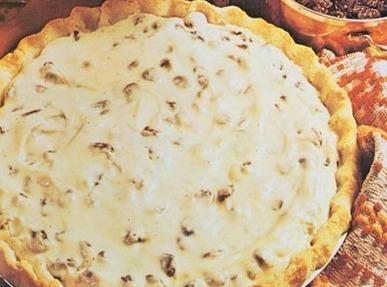 No Bake Raisin Sour Cream Pie Recipe