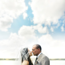 Wedding photographer Stanislav Burdon (sburdon). Photo of 07.02.2014