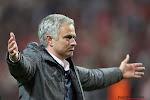 ? In één woord: geniaal! Mourinho gaat tijdens (!) wedstrijd spieken op de bank van Southampton
