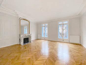 Appartement 4 pièces 156 m2