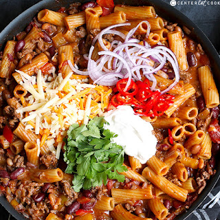 Skillet Chili Mac n' Cheese