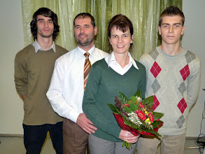 Photo: az Óvári-család 2011. november 20-án: Bence, Róbert, Márta, Zsombor (balról jobbra)