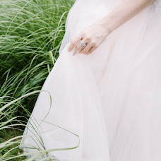 Wedding photographer Yuliya Bazhenova (juliamiss). Photo of 12.07.2017