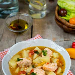 Spanish Salmon Stew (Marmitako de Salmón)