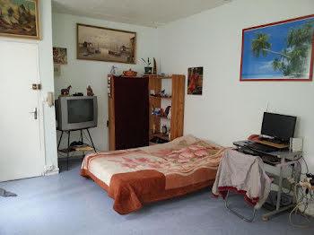 studio à Saint-Amand-Montrond (18)