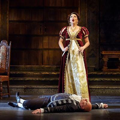 "Braid ""brilliant"" in Tosca role debut"