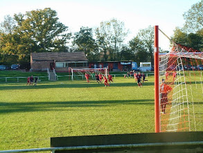 Photo: 04/11/06 v Prestwood (Hellenic League Challenge Cup) 1-0 - contributed by Martin Wray