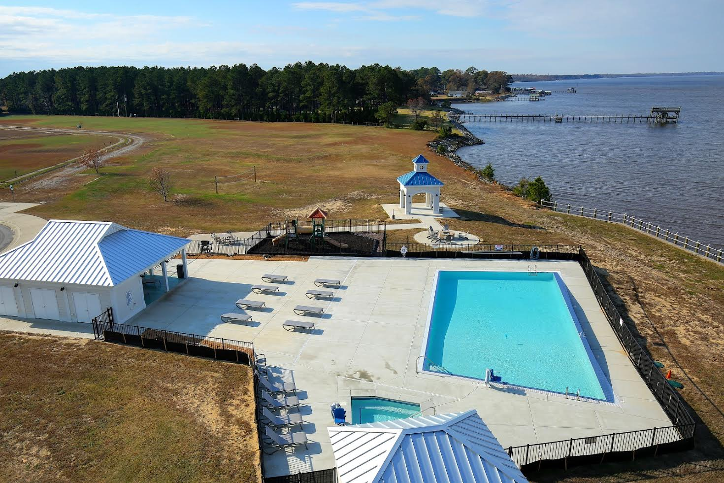 Waterside Resort Picture Number 12