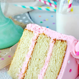 Moist and Fluffy Vanilla Cake.