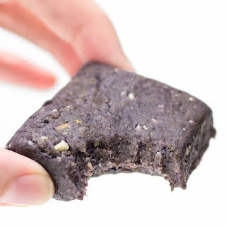 No Bake Protein Bars (Copycat Blueberry RX Bars).