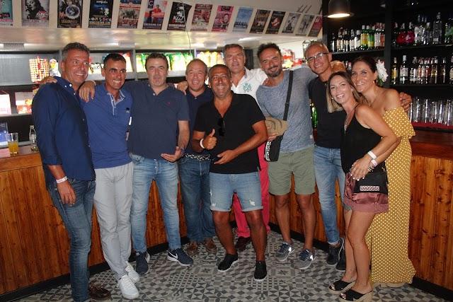 Fermín Giménez reúne a sus amigos de Almería en el Teatro Cervantes.