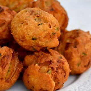 Patnam Pakodi (City Style Onion Fritter) for Indian Cooking Challenge