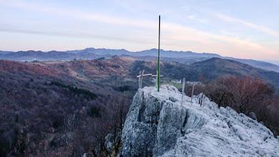 Photo: pogled proti naselju Bate in v ozadju Trnovski gozd