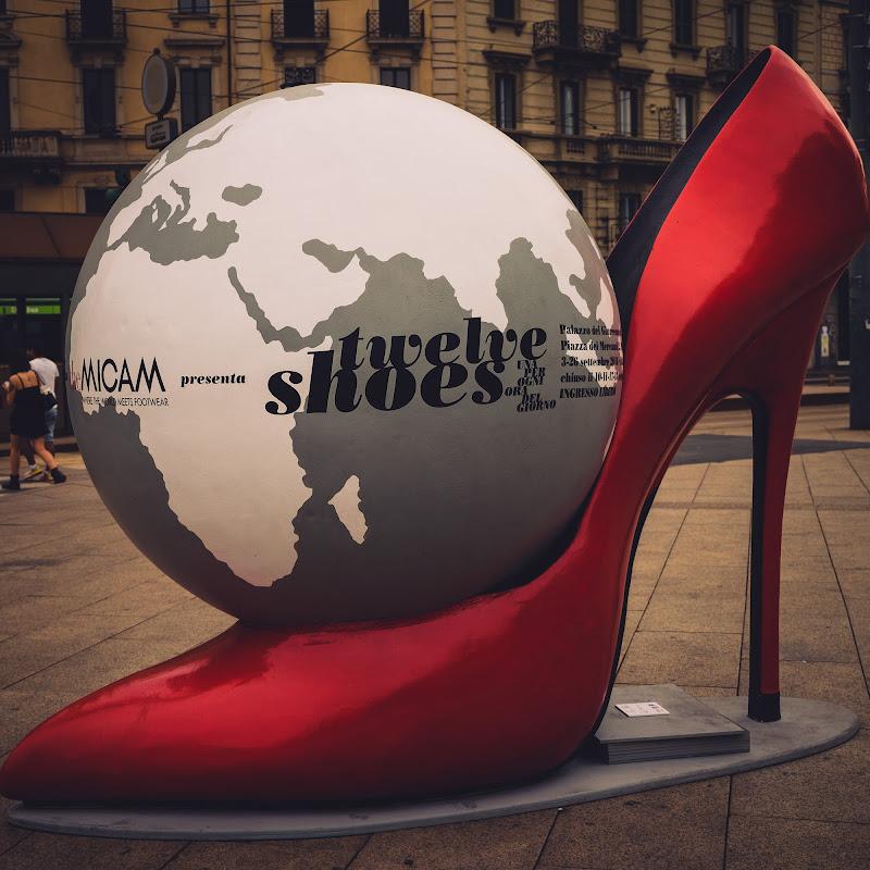 Il mondo in una scarpa di Sergio Locatelli