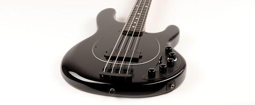 Ernie Ball Music Man DarkRay: A Stingray with Darkglass tones!