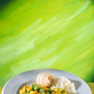 Knackiges Gemüse in Curcuma-Kokossauce