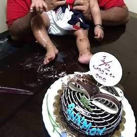 Cake smash at her 6th month by Remya Noyal - Babies & Children Babies ( half birthday, 6months, cake smash, half way to one, messy baby )
